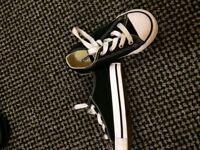 Toddler size 7 converse