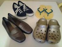 CASUAL .. 4 PAIR LADIES SIZE 7 FLAT SHOES (2 NEW+UNWORN)