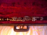 "BOOSEY & HAWKES "" IMPERIAL "" E flat CLARINET WITH MOUTHPIECE in EXCELLENT CASE ++++"