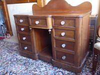Dressing table/sideboard - mahogany.