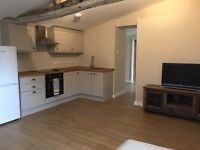 Live in couple - Housekeeper/gardener/maintenance/driver - Private flat and car provided