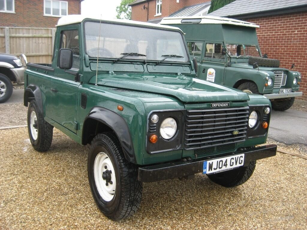 land rover defender 90 2 5 td5 pick up in green 2004 with 84 000 miles in poole dorset. Black Bedroom Furniture Sets. Home Design Ideas