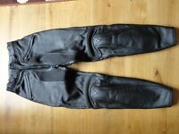 Ladies Dainese leather motorcycle trousers - Size 44 (UK 8-10)