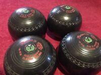 Lawn bowls size 3 - excellent condition