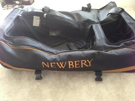Newbury SPS Wheelie Cricket Bag