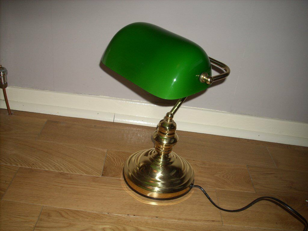 Stunning condition Brass Bankers Lamp with Green Glass Shade