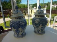 LARGE BLUE AND WHITE CHINESE GINGER JARS