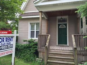 5 Bedroom House College Ave Off Richmond (Close to Western)