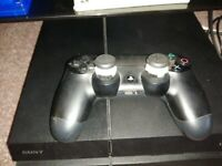 Ps4 500gb with 5 games & pad