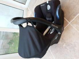 Maxi Cosi isofix baby car sear birth - 12 months