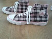 pink and brown check converse size 3
