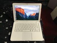 Macbook white 2.4ghz 2gb ram 500gb hardrive