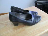 Alpina Shoes Black Size 5 £20