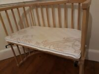 Co-sleeper BabyBay wooden bed with mattress and mattress covers
