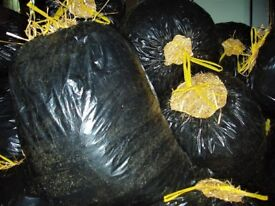 STRAW BALE -BAGGED CLEAN LOOSE STRAW FROM BROKEN BALES IN 90 LITRE BAGS