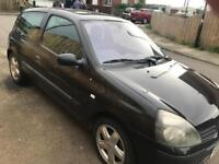 renault clio spares or repairs all parts available