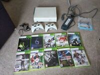 Xbox 360 bundle with 9 games and 2 controllers, includes HALO 4, COD black ops 2, Alien Isolation