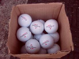 17 Pinnacle Gold golf balls vgc