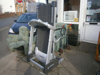 HORIZON TREADMILL ELECTRIC PROFESIONAL TREAD MILL IN YEOVIL LOCAL DELIVERY