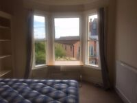 2 Lovely bedrooms available in 4 bed House