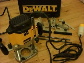 DeWALT DW625EK Router 110v