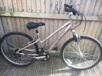 Raleigh Sauanna Ladies Bike