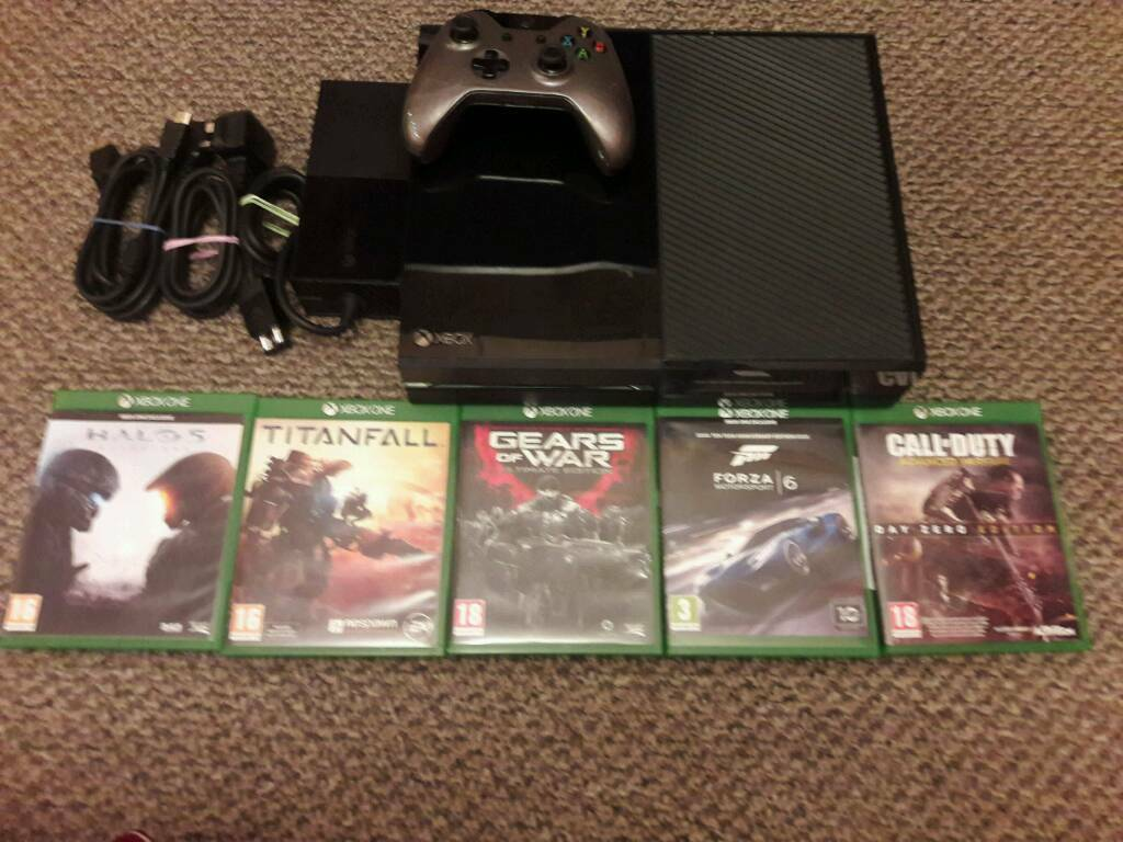 XBOX ONE 500GB BLACK + 5 GAMES + 1 CONTROLLER + ALL LEADS