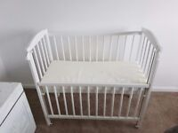 Compact Co Sleeper / Cot with new mattress