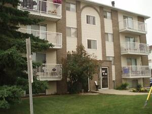 *INCENTIVES* 2 Bd Suite w/ Balcony in Red Deer Adult Bldg ~ 178