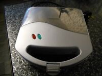 COOKWORKS SAMWITCH TOASTER NOT USED