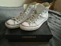 White shoes unisex converse