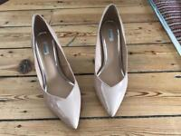 Ladies Nude shoes- Size 7