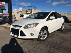 2012 Ford Focus SE LOW KMS!! MOON ROOF