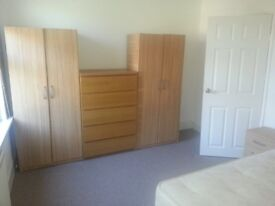 Nice size double room for rent in E7