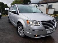 2011 Chrysler Voyager LIMITED. Amazing car with amazing spec!!