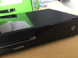 Xbox One 500gb console with Kinect, 2 controllers and games like new