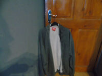 grey fleece jacket zipped use but in good condition size 3 xl
