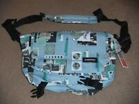 ( New with tag ) Eastpak Messenger Bag JR Multicolour 11.5 L EK07708H