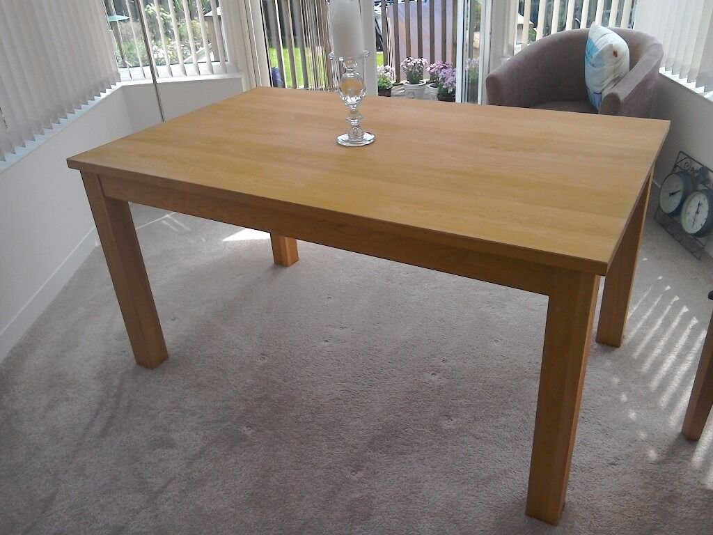 Solid oak dinimg table excellent condition, ideal if you want to paint to match modern dining chairsin Exmouth, DevonGumtree - Solid oak dining table excellent condition, ideal if you want to paint to match some modern dining chairs, which will make a great new look in your dining room, kitchen