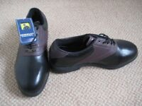 Mens Donnay Golf Shoes size 10.