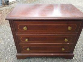 Mahogany chest of 3 drawers