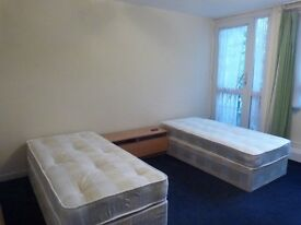 TWIN ROOM for 2 friends ++ ZONE 1 ++ 10min walk from Oxford circus + MOVE ASAP