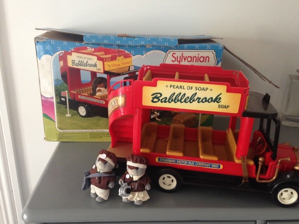 Vintage boxed sylvanian uberland bus