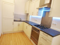 A modern & bright 3 double bedroom flat with wooden floors short walk to FinsburyPark&Archway tubes