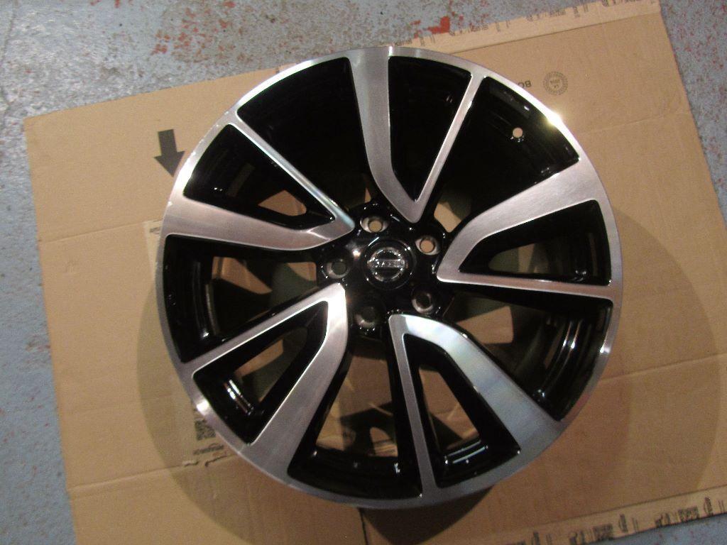 NISSAN QASHQAI TEKNA 19x7J Diamond Cut Polished Black Alloy Wheel