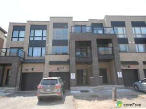 $920,000 - Townhouse for sale in Oakville