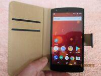 LG Nexus 5. Unlocked. 16GB. Carbon Black .