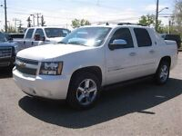 2013 Chevrolet Avalanche LTZ-AUTO-LEATHER-SUNROOF-1 OWNER