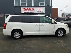 2012 Chrysler Town and Country TOURING ''WE FINANCE EVERYONE''
