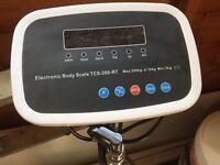 Electronic body scale (Nielsen)